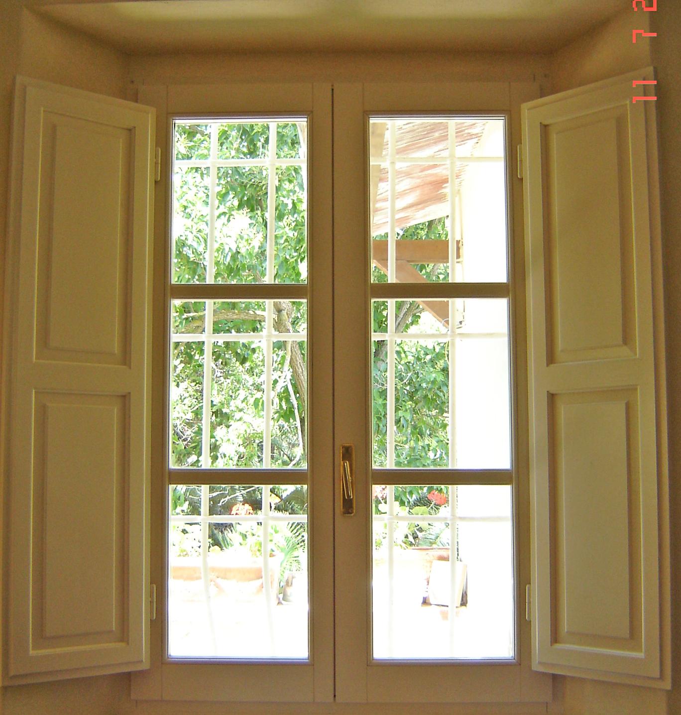 Finestre in legno massello sicur serramenti - Finestre in legno ...